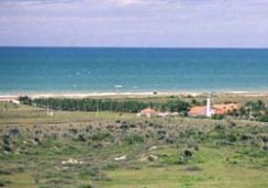Photo of Porto das Dunas looking south 1 kilometer after Fortaleza Beach Park