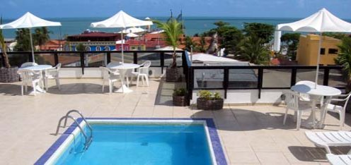 The rooftop swimming pool at the Agua Marinha Hotel Fortaleza