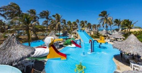 The lake Hotel Parque das Fontes