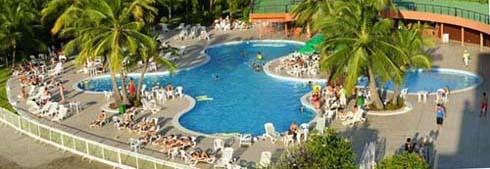 marina park hotel piscina