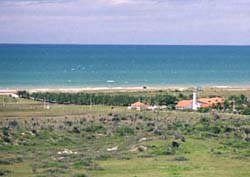 Photo of Porto das Dunas looking south 1 kilometer after Fortaleza Beach Park